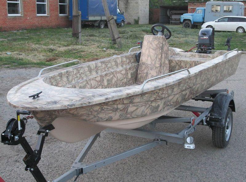 пластмассовая лодка для рыбалки